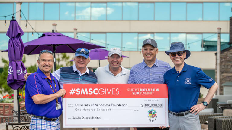 Shakopee Mdewakanton Sioux Community Presents Gift at Annual Golf Classic 'Fore' Diabetes Research