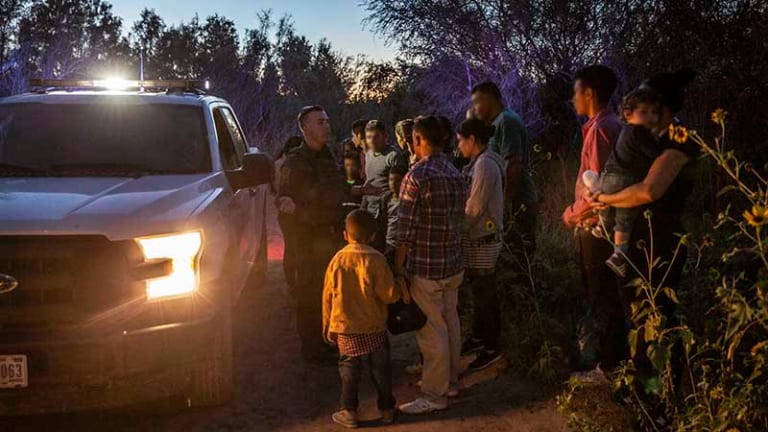 Migrant families sue government for family separation