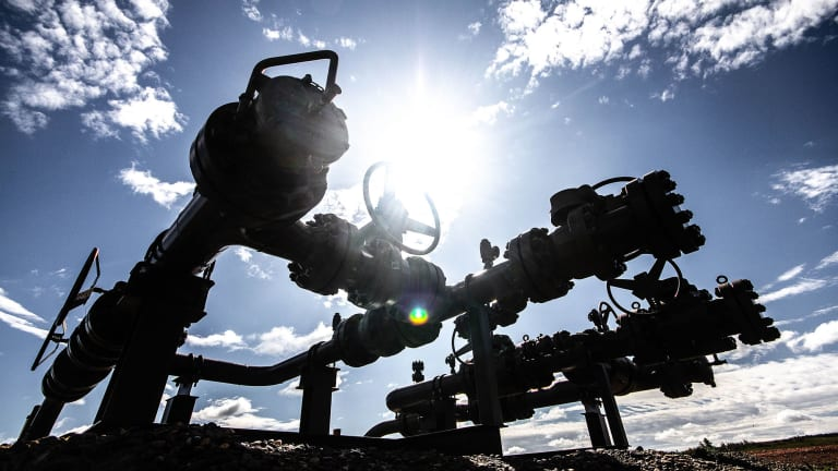 Oil and gas air pollution rollbacks strongly opposed at Environmental Protection Agency hearing