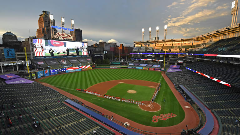 Cleveland bans headdresses, painted faces at games