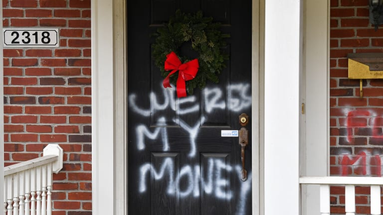 McConnell, Pelosi homes vandalized after $2,000 relief fails