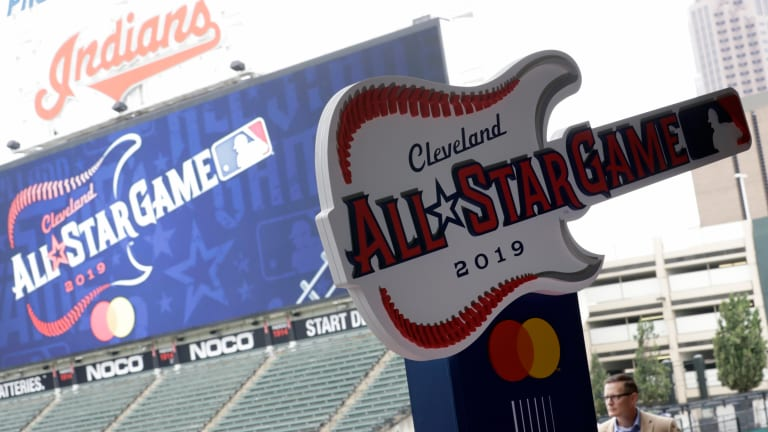 Cleveland Indians weigh name change