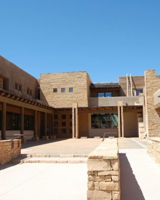Pictured: Acoma Sky City Cultural Center & Haak'u Museum.