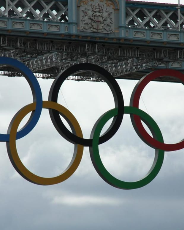 Olympic Rings on the Tower Bridge in London for the 2012 Summer Olympics. (Photo by Dave Catchpole, Creative Commons)