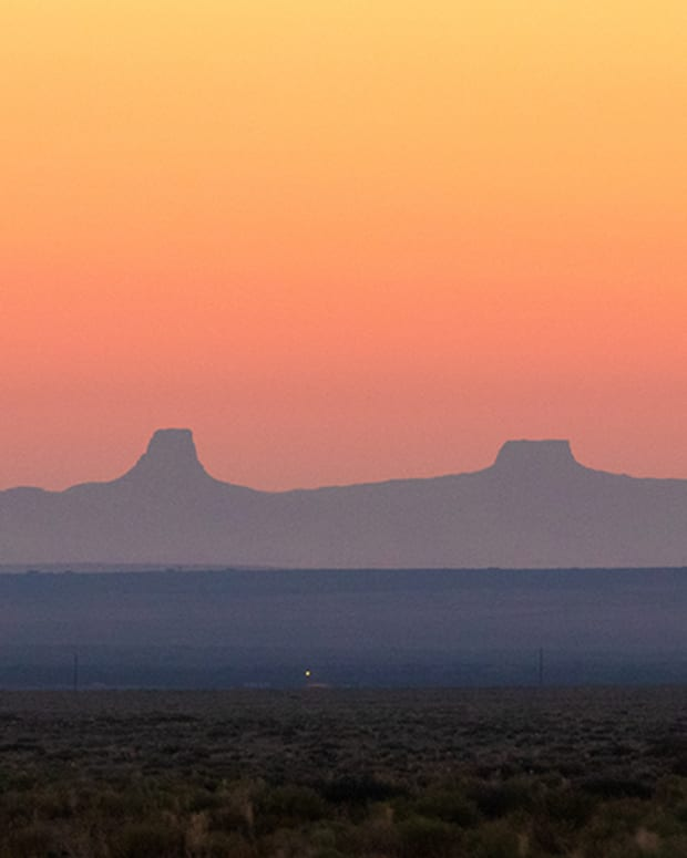 The sun rises over the Navajo Nation Reservation, which is the size of West Virginia but is home to just 173,000 people. The COVID-19 death rate on the reservation is greater than that of any U.S. state. (Photo by Megan Marples/Cronkite News)