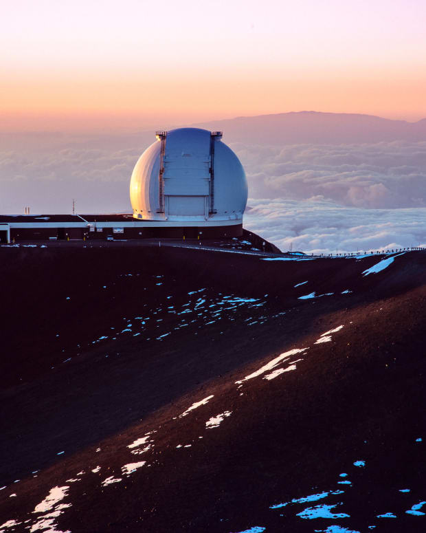 W. M. Keck Observatory at Mauna Kea. (Photo courtesy of sharkhats, Creative Commons)