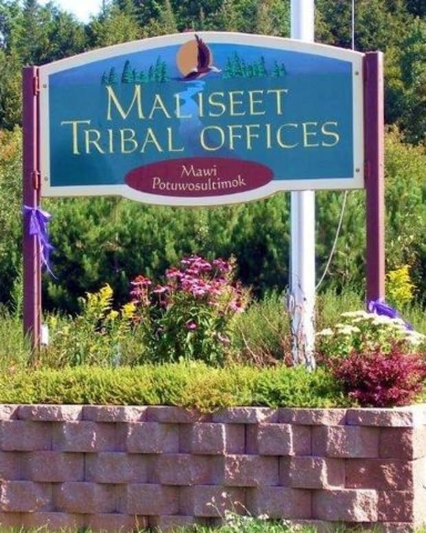 Houlton Band of Maliseet Indians tribal offices sign. The tribe is located in Littleton, Maine. (Photo courtesy of tribe's Facebook page) https://www.facebook.com/HoultonBandofMaliseetIndians/photos/a.376730139011599/4712576398760263