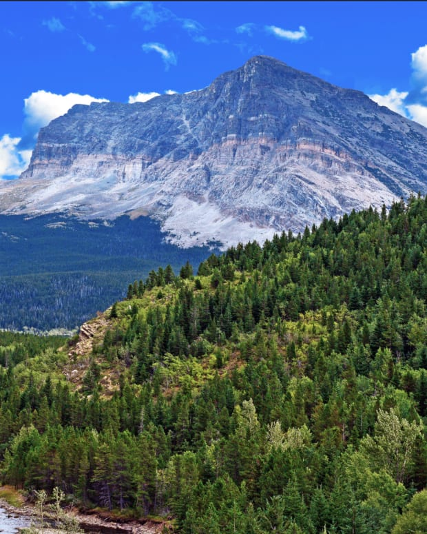Scenery in Many Glacier area in Glacier National Park, Montana. Aug., 31, 2015 (Photo by Jerry and Pat Donaho, courtesy of Creative Commons.