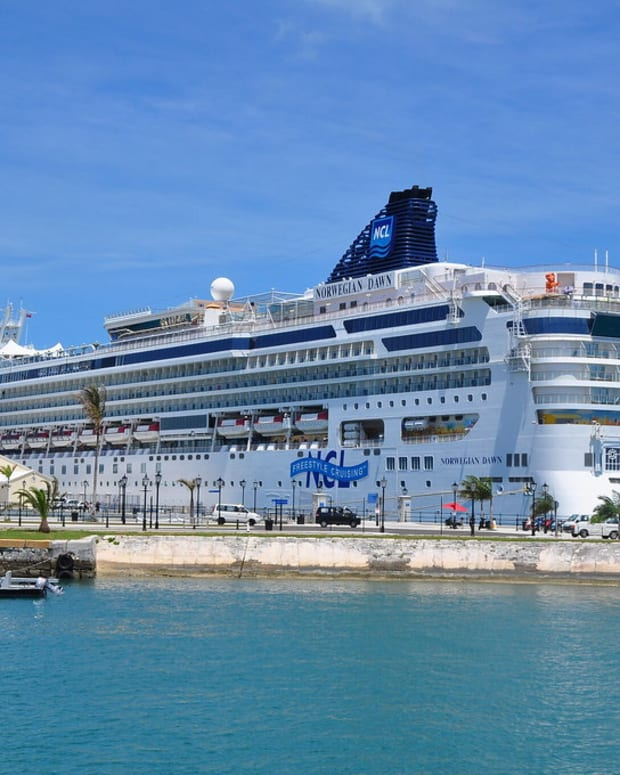"""""""Cruise Ship"""" (Photo by kansasphoto is licensed under CC BY 2.0)"""