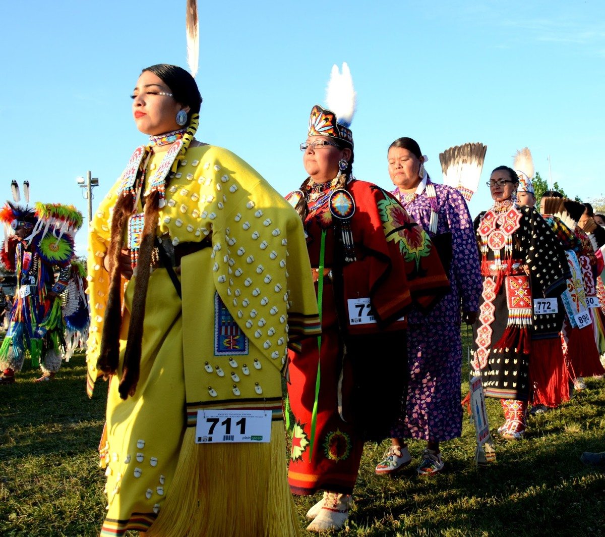 Traditional women dancers at grand entry - Photo by Jack McNeel
