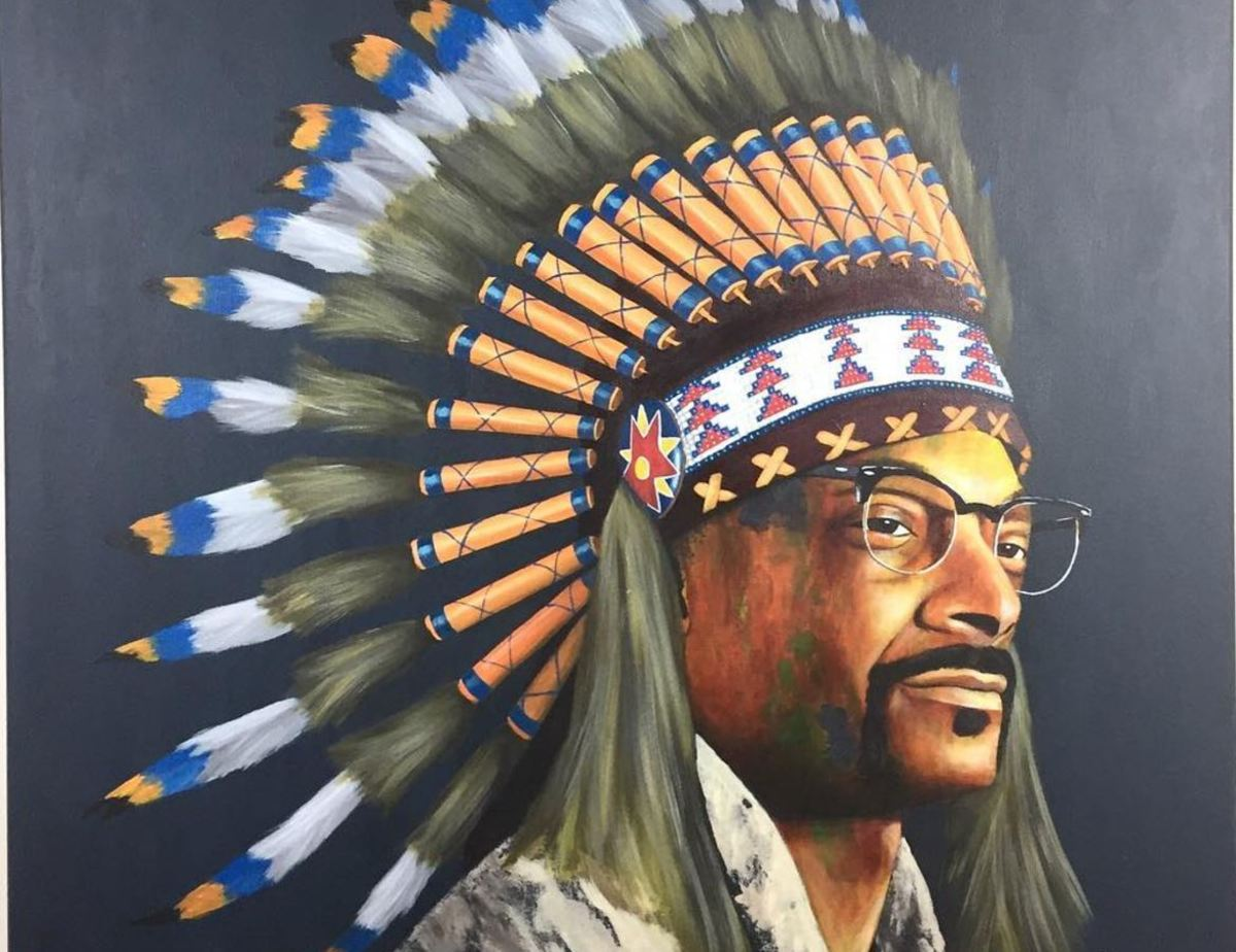 """Snoop Dogg, aka Cordozar Calvin Broadus Jr., came under fire on Thursday after posting an image of himself in a headdress with the comment, """"Big chief knocanew. From the knocahoe tribe."""""""