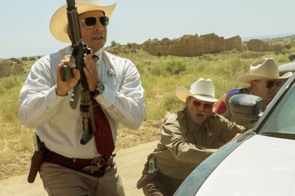 The youthful Gil Birmingham and 'The Dude', Jeff Bridges in an intense scene from 'Hell or High Water' – Photo: Lorey Sebastian/Lionsgate