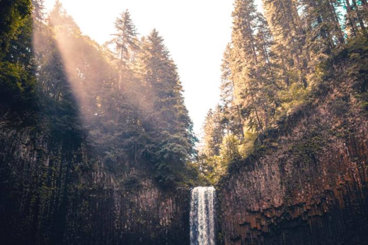 Perhaps your Native travel plans will take you to the beautiful territory of the Molale people in Oregon.