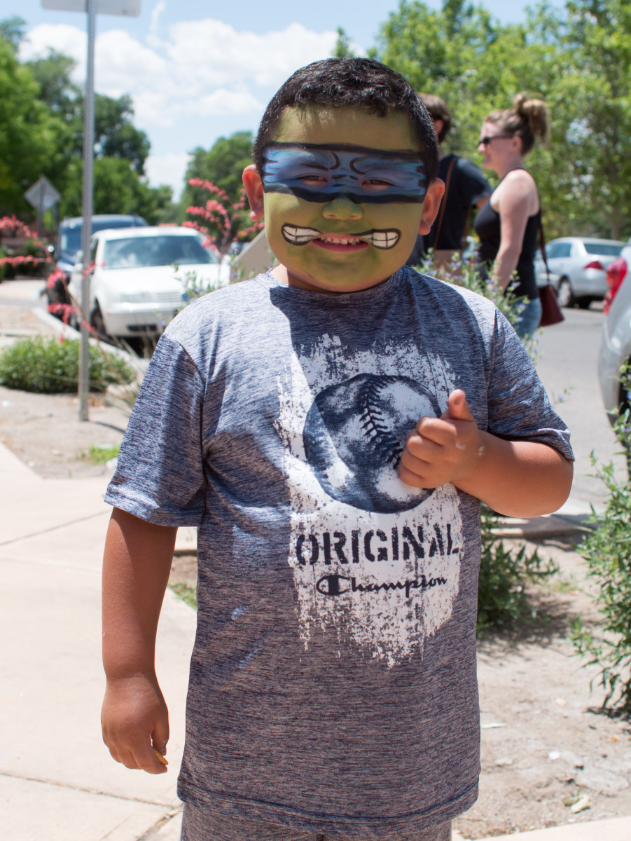 A blue bandanna-wearing Leonardo of the Teenage Mutant Ninja Turtles showed up in support of Red Planet Comics.