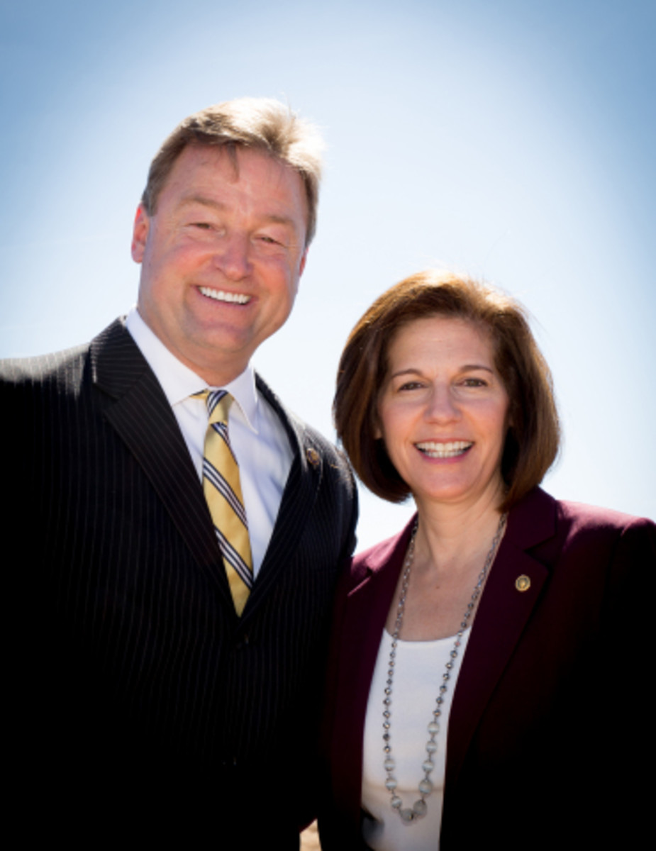 U.S. Senators Dean Heller (R-NV) and Catherine Cortez Masto (D-NV) joined leaders of the Moapa Band of Paiutes for a Commissioning Ceremony of the 250MW Moapa Southern Paiute Solar Project near Las Vegas on Friday morning.
