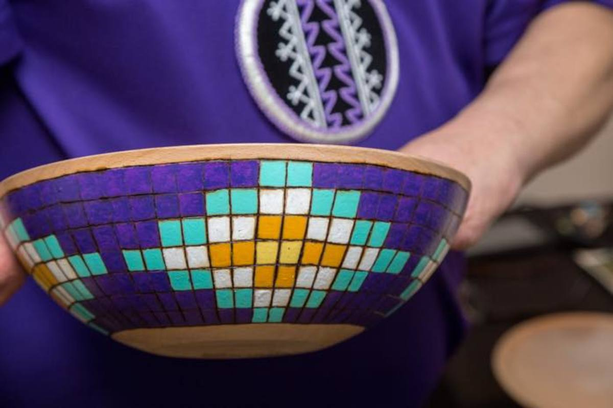 Wooden bowl mosaic created by Mohawk artist Tracy Thomas.