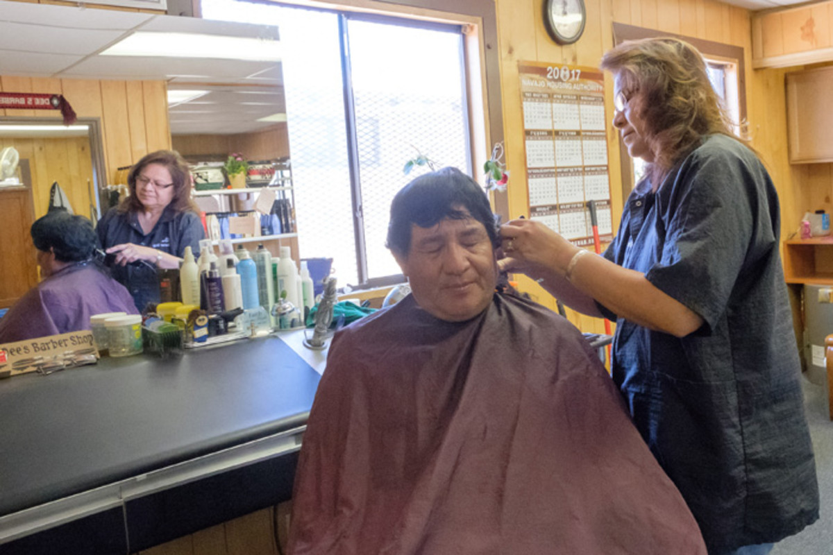 Navajo Nation, Small Business, Native Business, Dee Barber Shop