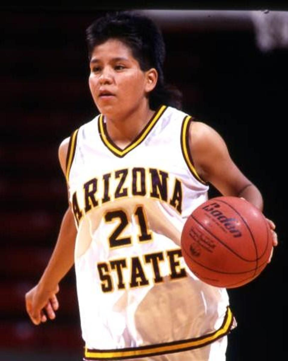 Ryneldi Becenti (Navajo) was one of the first Native American women to play in the WNBA.