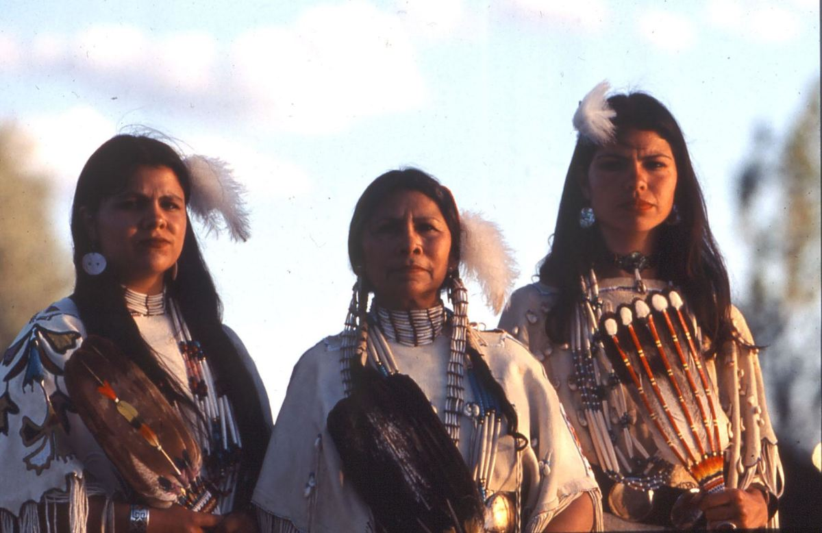 Keri Ataumbi, Teri Greeves and Jeri Ah-be-hill are legacy artists that have participated in Indian Market for years. (Circa 1998)
