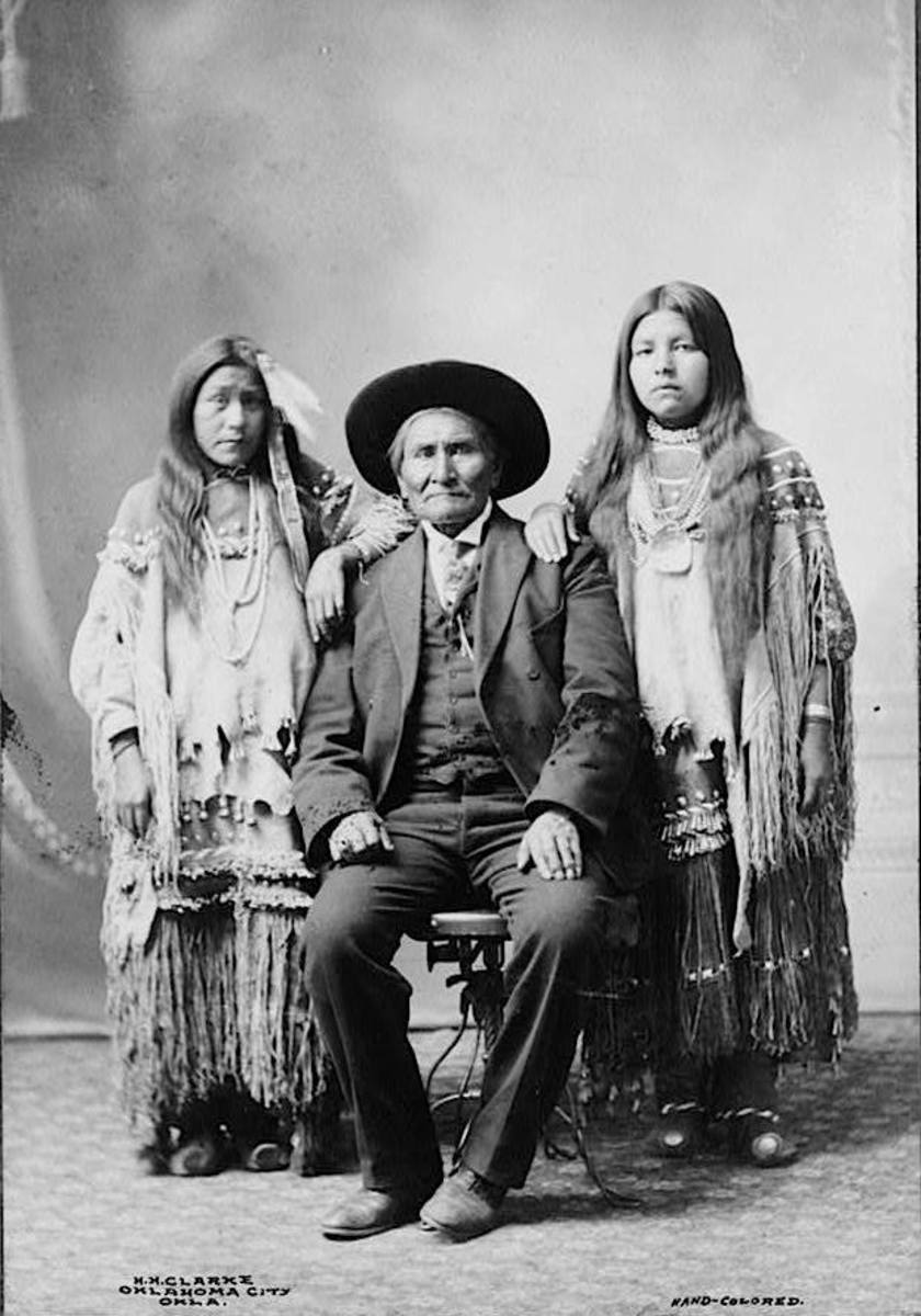 Geronimo and his nieces, early 1900s.