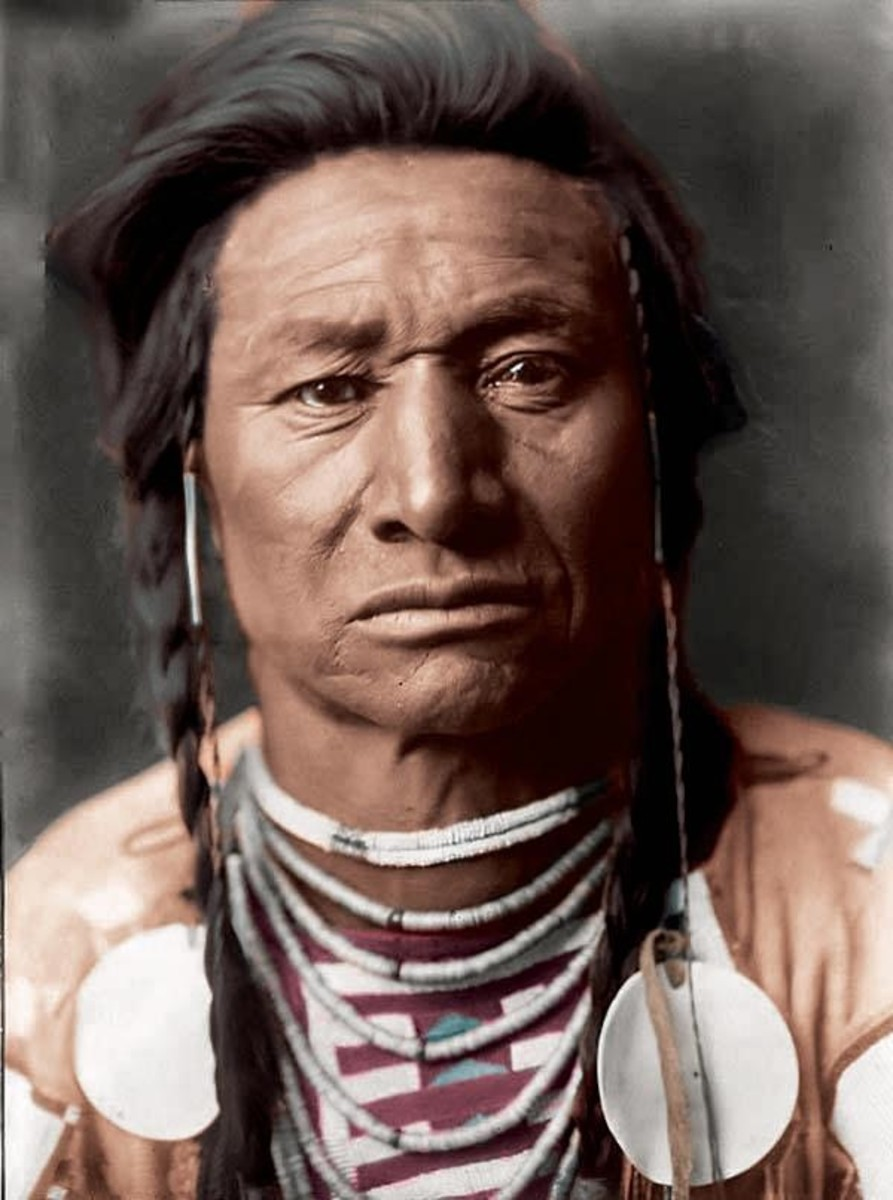 Crow Indian man, Chief Child, photo by Edward S. Curtis circa 1908.