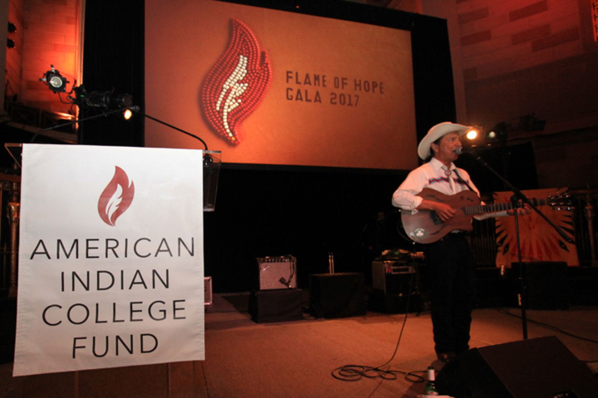 Cary Morin entertained attendees during the welcome reception at the American Indian College Fund 2017 New York Flame of Hope Gala.