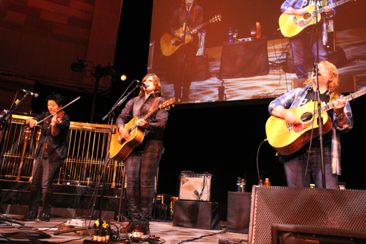 The Indigo Girls provided the entertainment for the American Indian College Fund 2017 New York Flame of Hope Gala.