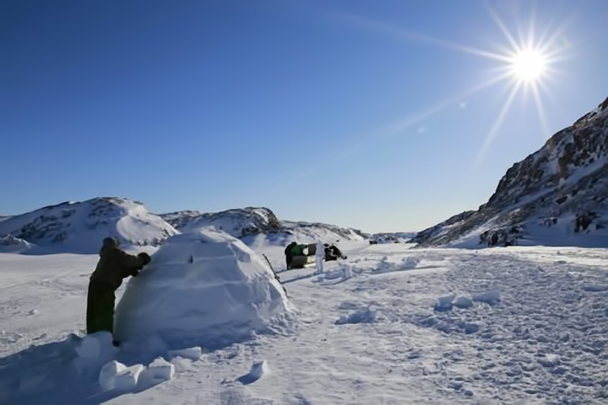 3rd place, March 2017: Building an Iglu by Pudloo Pitsiulak