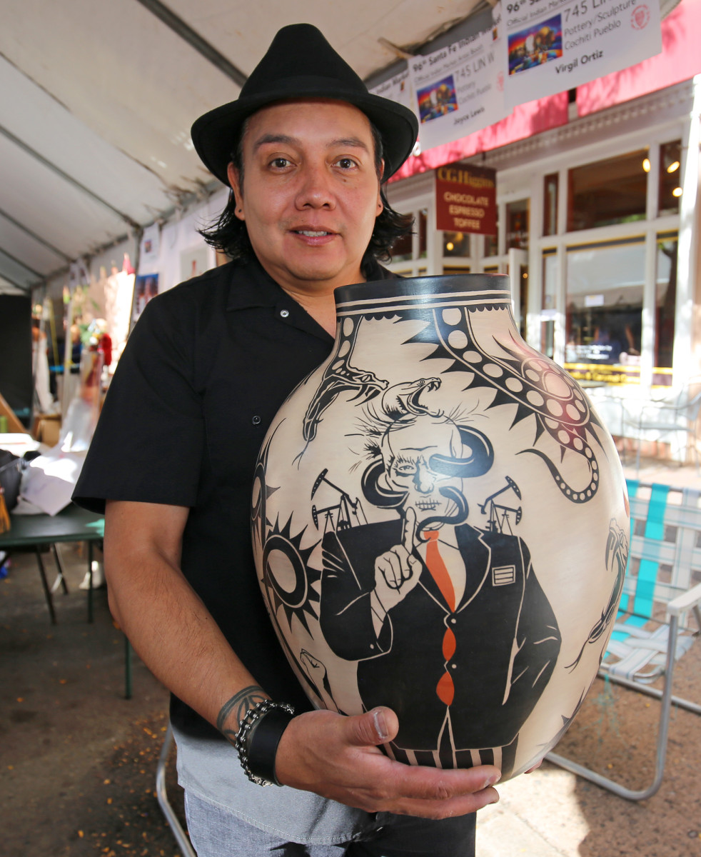 Virgil Ortiz told ICMN that traditional Cochiti red, white and black pottery has always been a form of social commentary.