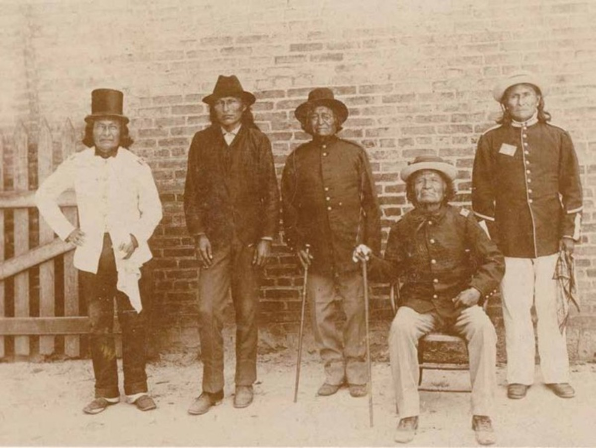 Geronimo, far right, poses with other Chiricahua prisoners of war in Florida's Fort Marion in 1887.