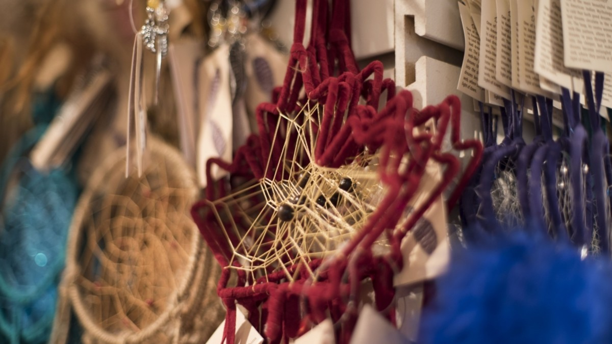 We found a dreamcatcher in the shape of a maple leaf, made in China and distributed by Royal Specialty Sales, for sale in a few souvenir stores in Vancouver during our investigation.