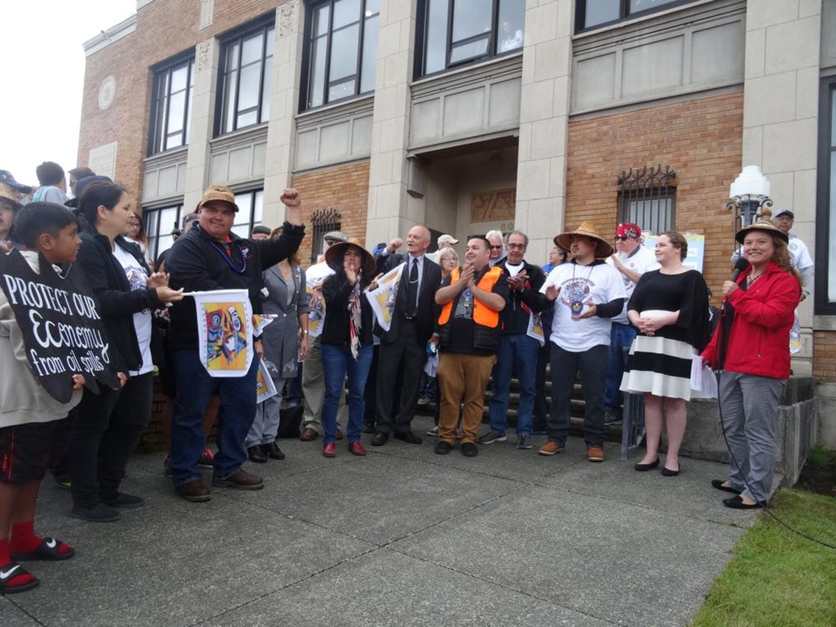 Leaders of Washington tribes and fishing groups speak at Shared Waters, Shared Values Rally against Grays Harbor oil terminals in 2016. (Photo: Zoltán Grossman, CC BY-SA)