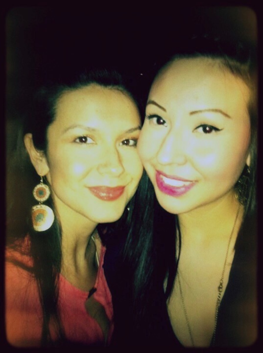 Melina Massimo-Laboucan and sister Bella Laboucan-McLean (right) who fell to her death from a Toronto condo in July 2013. (Submitted by Melina Massimo-Laboucan)