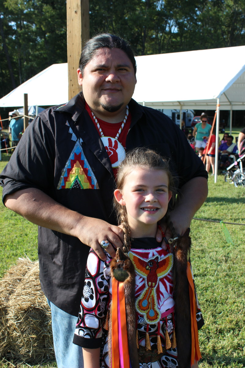 Arena director Lee Greywolf Lopez and his daughter Cheyenne Lopez, Jicarilla Apache - Photo: Vincent Schilling