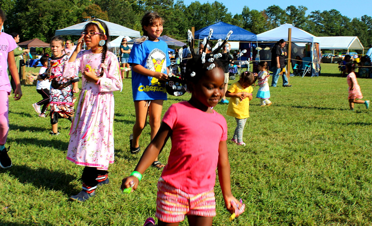 Having fun during the candy dance - Photo: Vincent Schilling
