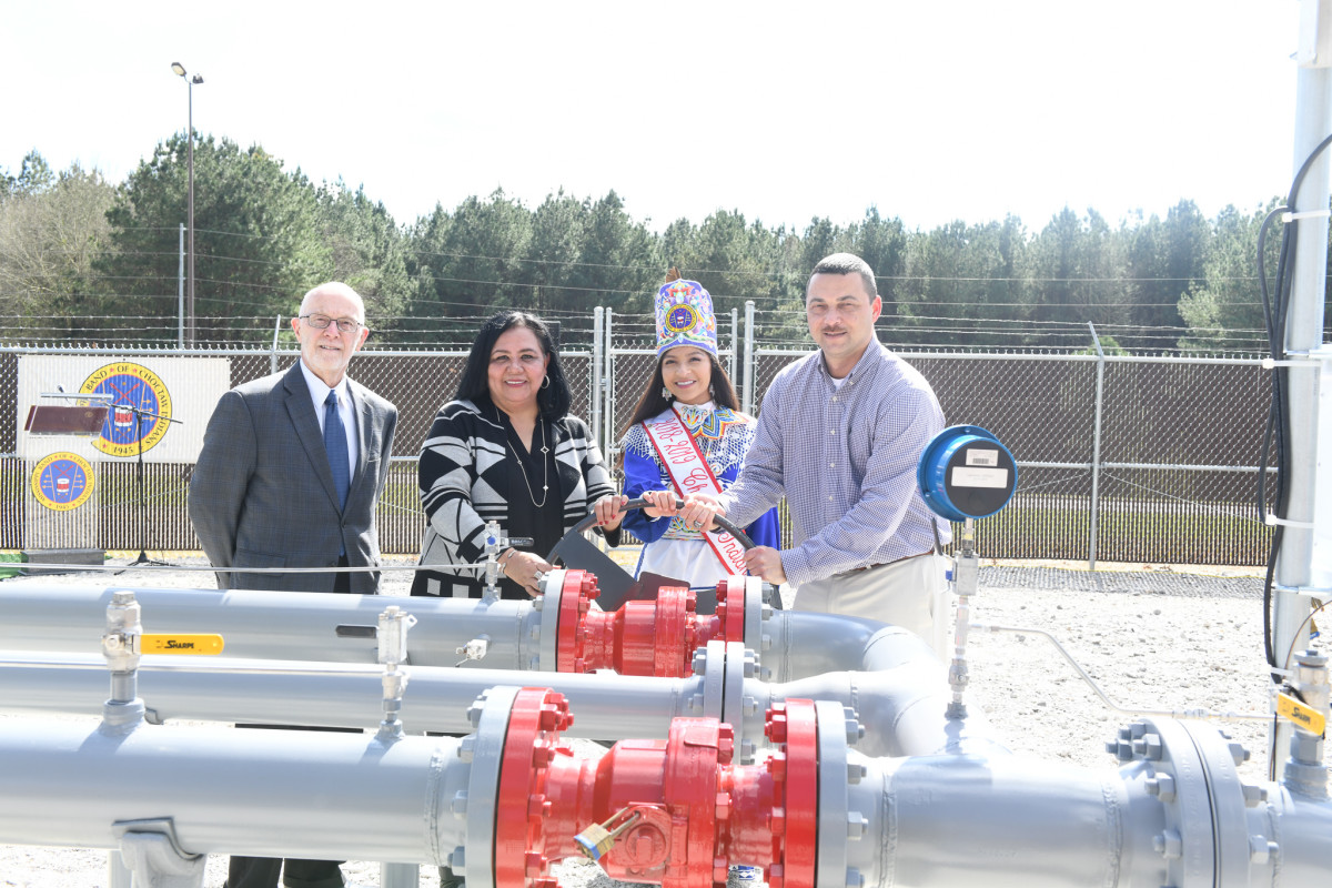 Pictured: Central District Public Service Commissioner Cecil Brown, Tribal Chief Phyliss J. Anderson, 2018-2019 Choctaw Indian Princess Sydni Jade Tangle, and District Director CenterPoint Energy Jason Fabre, Jr.