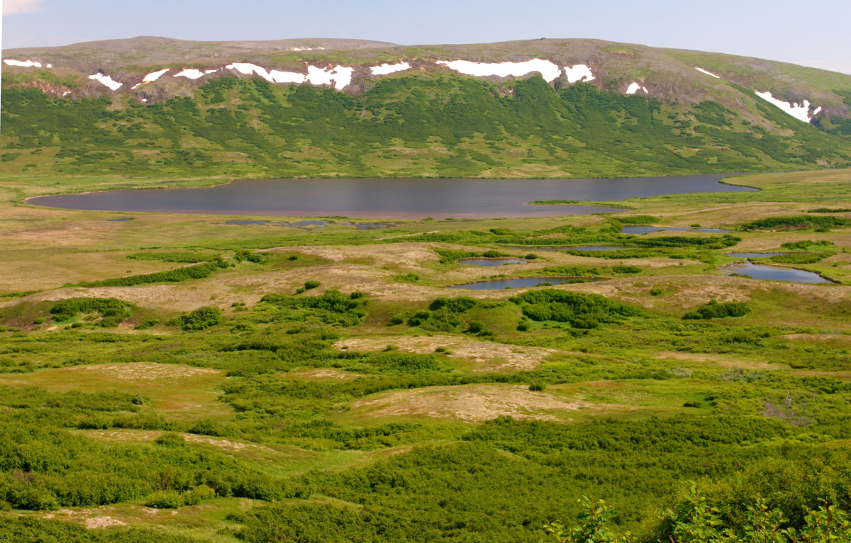 Looking down on Frying Pan Lake, from the west, proposed site of the Pebble Mine area. (Photo by Erin McKittrick, Wikimedia Commons)