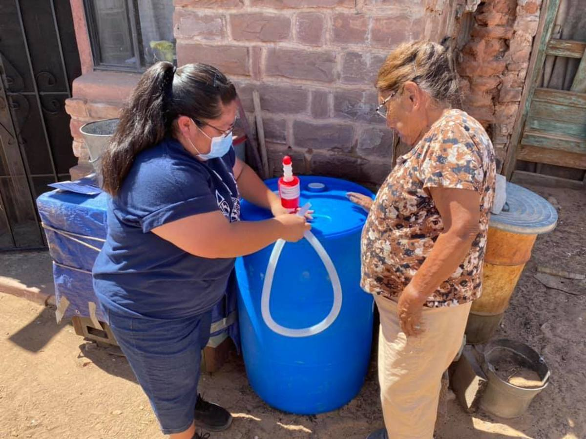 """Navajo elders are among those most in need of clean water, because it can take hours to go out and haul their own. """"The idea behind this whole campaign … was to reach the people who can't get to the water themselves … the people who are … far away enough to have been forgotten,"""" says Zoel Zohnnie. (Photo courtesy of Water Warriors United)"""