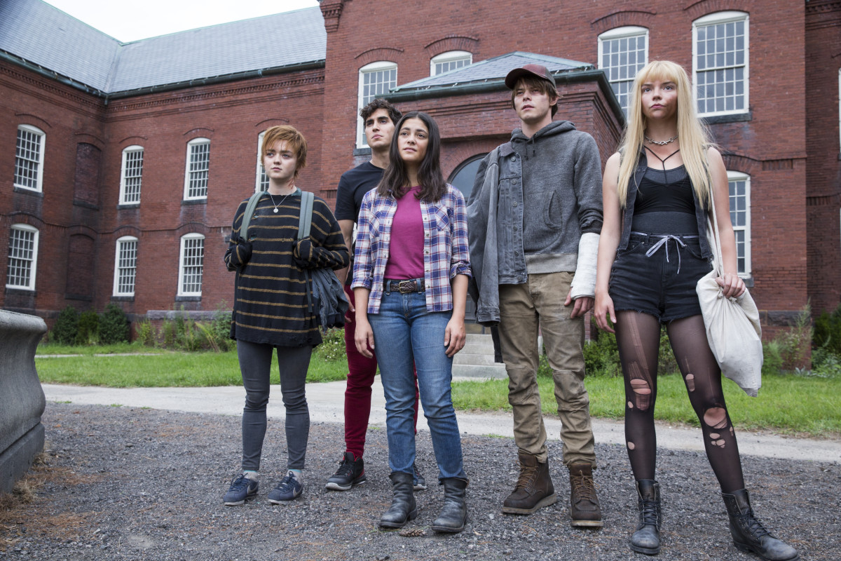 """(From L to R:) Five teenage mutants — Wolfsbane (Maisie Williams), Sunspot (Henry Zaga), Mirage (Blu Hunt), Cannonball (Charlie Heaton), and Magik (Anya Taylor-Joy) — must, as the movie describes, """"undergo treatments at a secret institution that will cure them of their dangerous powers."""" (Courtesy: 20th Century Studios)"""