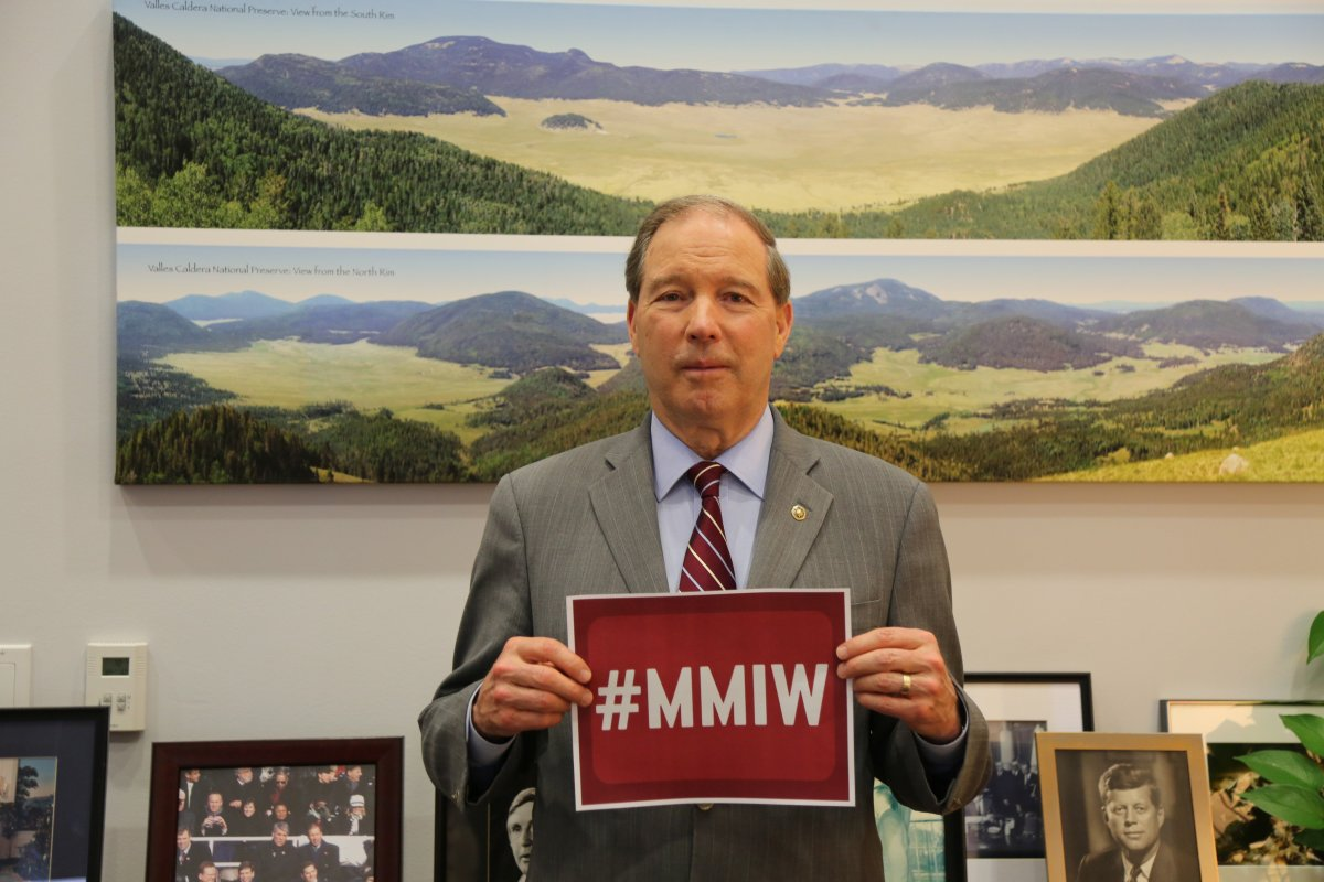 Sen. Udall showing support for MMIW. (Courtesy image Sen. Udall's office)