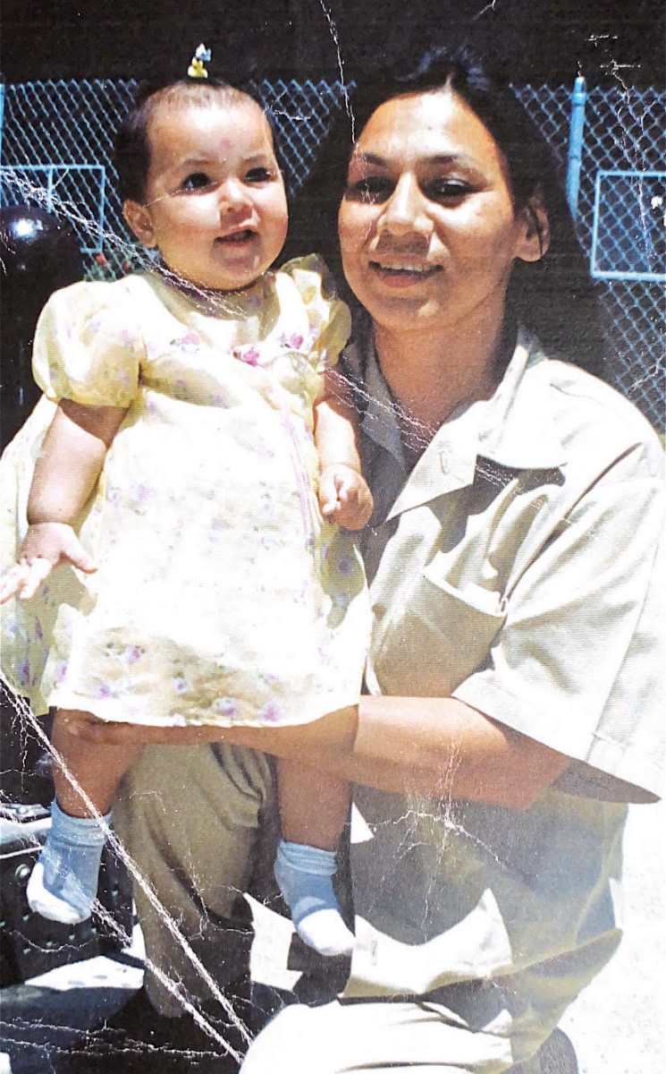 Lavonne Roach and her granddaughter Kylee in 2000. Roach was granted clemency by President Donald Trump on Wednesday, Jan. 20, 2021. (Photo courtesy of Clarissa Brown)
