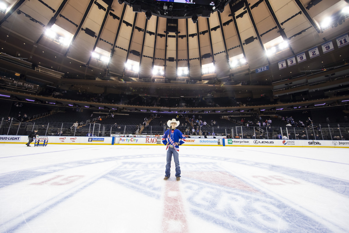 Najiah Knight on the ice at Madison Square Garden wearing a Rangers jersey. (Photo MSG Photographer,Michelle Farsi)