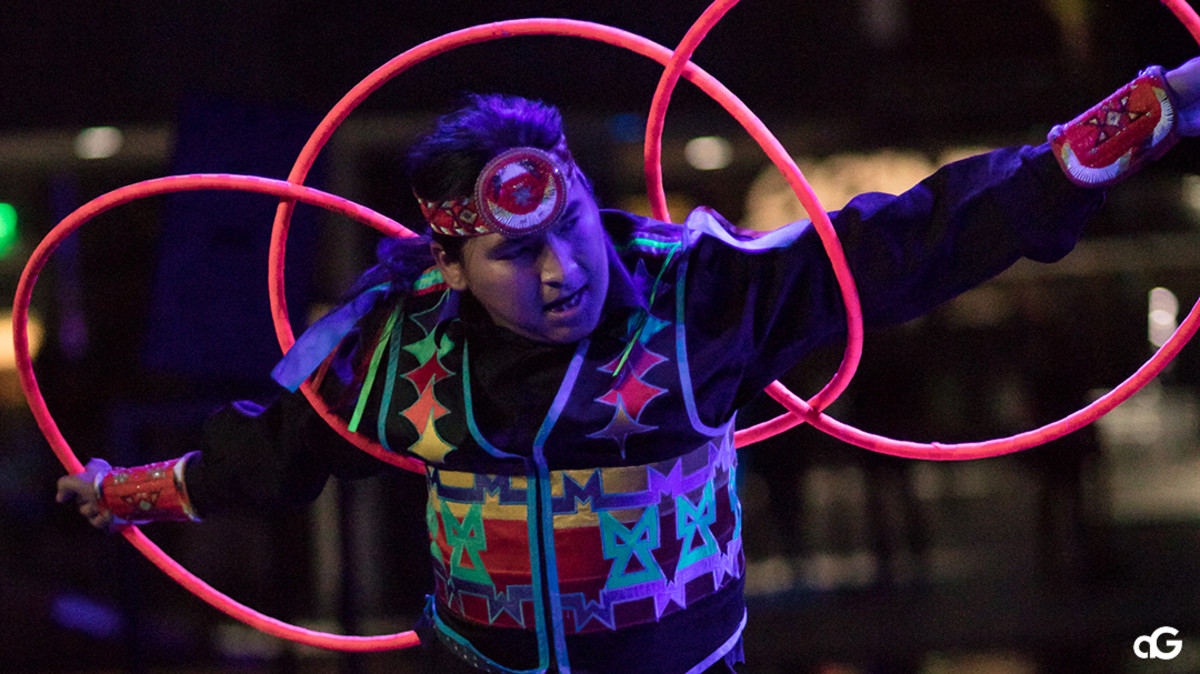 "Hoop dancer Nakotah LaRance at the ""Hip Hop/Electronic: Indigenous Music & Dance of the Grand Performances"" in Los Angeles on Aug. 10, 2018. (Photo by Anderson Gould Jr.)"