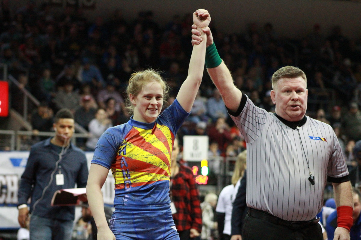 Parents can help girls stay in sports by encouraging them, even in nontraditional female sports like wrestling. Put in tempest June 2021 (File photo by Serina Perez/Cronkite News)