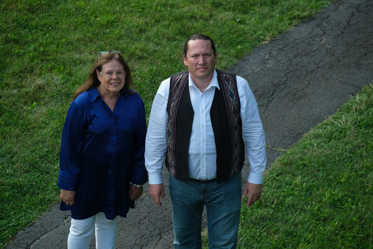 Glenna Wallace, chief of the Eastern Shawnee Tribe of Oklahoma and Ben Barnes, chief of the Shawnee Tribe described their tribes' connection to the Serpent Mound in Peebles, Ohio. (Photo by Mary Annette Pember)