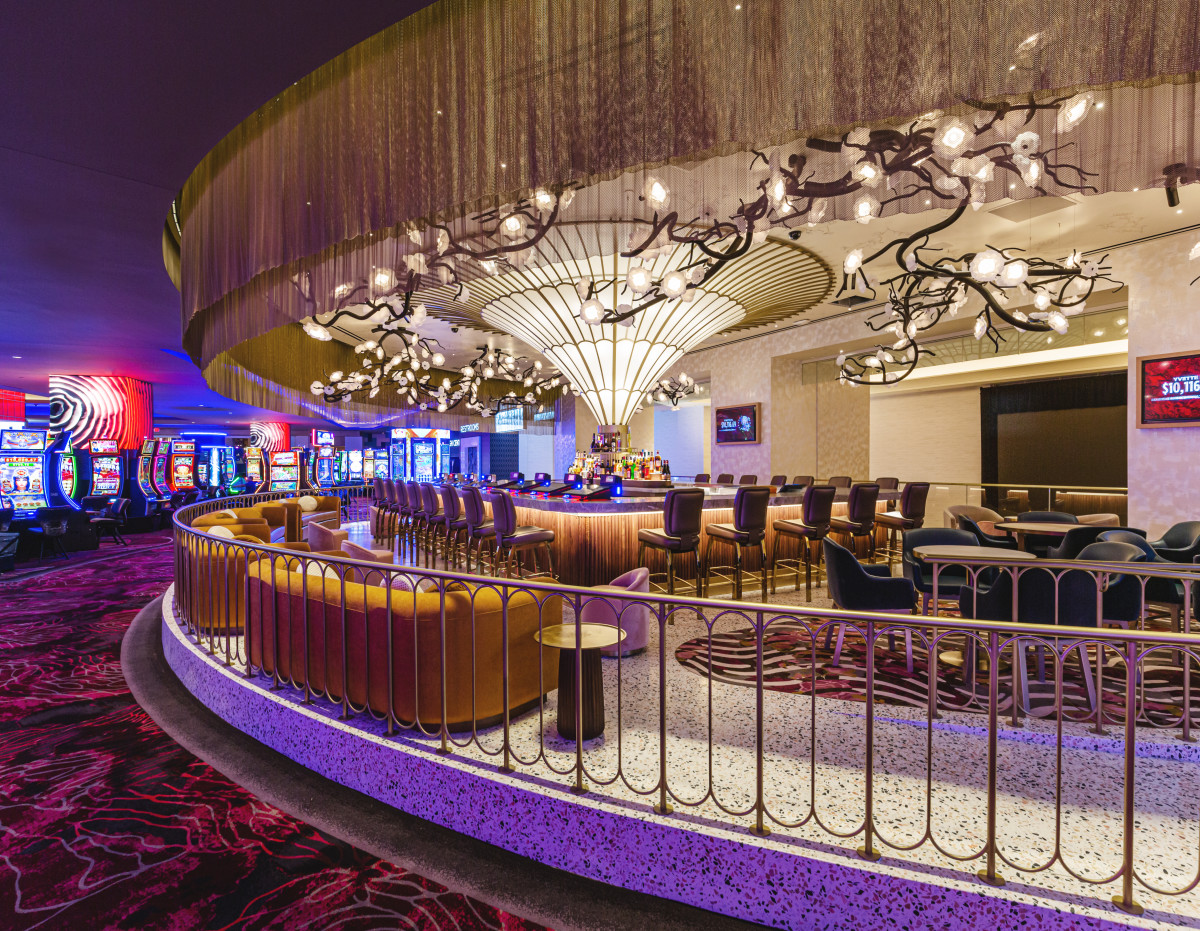 Pictured: San Manuel Casino Phase One expansion — Overlook Bar.